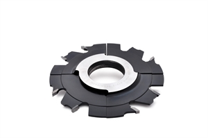 Adjustable grooving cutter by spacing rings